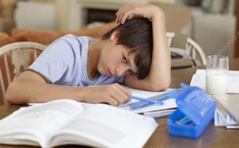 高中生失眠应该怎么治疗
